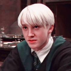 La Saga Harry Potter, Mundo Harry Potter, Harry Potter Pictures, Harry Potter Cast, Harry Potter Characters, Draco Malfoy Imagines, Draco And Hermione, Harry Potter Draco Malfoy, Draco Malfoy Aesthetic