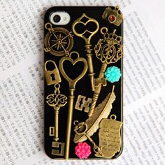 IPhone 4 covers by francisca