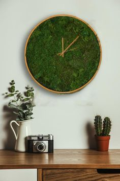 Kitchen wall clock decor house 67 Ideas for 2019 Moss Wall Art, Moss Art, Wall Clock Copper, Clock Wall, Vegetal Concept, Minimalist Clocks, Outdoor Wall Clocks, Best Wall Clocks, Handmade Wall Clocks