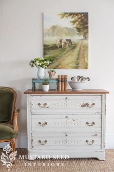 Tranquil, Comfortable, Modern Country Living but not the pic. Fresh Farmhouse, Farmhouse Decor, Farmhouse Table, Farmhouse Furniture, Vintage Farmhouse, Thrift Store Furniture, Miss Mustard Seeds, Country Decor, Modern Country