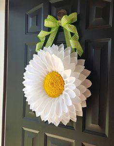 White Daisy Door Hanger by BlueKoalaCrafts on Etsy