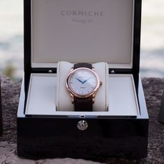 Unboxing of the Heritage 40 in rose gold with a white dial. #cornichewatches