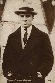 Photographic Print: Charlie Chaplin, Charlot : 24x16in
