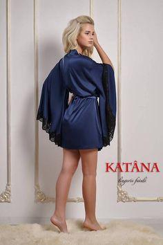 Blue Kimono, Short Kimono, Pretty Lingerie, Bridal Lingerie, Satin Dressing Gown, Satin Sleepwear, Blue Lace, Night Gown, Casual