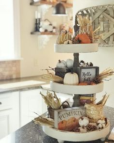 25 Awesome Fall Kitchen Design For Home Decor Ideas. If you are looking for Fall Kitchen Design For Home Decor Ideas, You come to the right place. Below are the Fall Kitchen Design For Home Decor Ide. Fall Home Decor, Autumn Home, Farmhouse Style Decorating, Farmhouse Decor, Country Farmhouse, Thanksgiving Decorations, Seasonal Decor, Fall Vignettes, Tray Styling