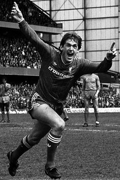 Liverpool's player/manager Kenny Dalglish shows his delight after scoring the winning goal in the minute of his side's vital Division One match against Chelsea at Stamford Bridge. The victory clinched the First Division championship for Liverpool. Liverpool Legends, Liverpool Fans, Liverpool Football Club, Football Icon, Best Football Team, School Football, Football Stuff, Gerrard Liverpool, Kenny Dalglish