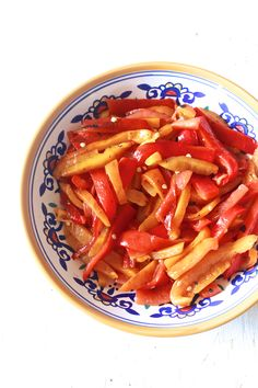 roasted peppers sliced and ready to eat Tapas, Side Dish Recipes, Side Dishes, Paleo Recipes, Yummy Recipes, Recipies, Roasted Red Peppers, Fruits And Veggies, Food Inspiration