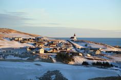 Iceland Travel Guide, Christmas and New Year / Someform / Ash Leech