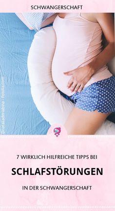 Schlafstörungen in der Schwangerschaft - fast jede Mama kennt sie. Aber welche Ursachen hat die Schlaflosigkeit? Und welche Hilfsmittel gegen Schlafprobleme in der Schwangerschaft gibt es? Hier findest Du 7 hilfreiche Tipps, die Dir bei Schlafstörungen in der Schwangerschaft helfen #schwanger #schwangerschaft