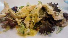 Ensalada de pollo con salsa pesto.Tahona Artesanal Gourmet Bilbao.