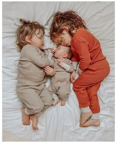 Cute Little Baby, Baby Kind, Mom And Baby, Little Babies, Cute Babies, Baby Boy, Funny Babies, Sleeping Baby Pictures, Baby Sleeping Sign