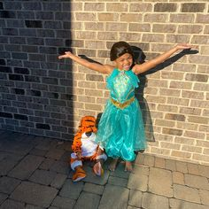 "Kirsten Corley Bennett on Instagram: ""Happy Spookyyy day! 👻🎃"""