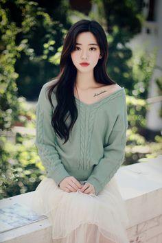 Korean Girl Photo, Korean Girl Fashion, Asian Fashion, Korean Beauty Girls, Asian Beauty, Looks Kawaii, Casual College Outfits, Beautiful Chinese Girl, Stylish Girl Pic