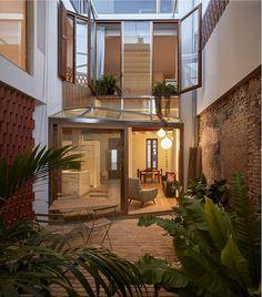 Gallery of Courtyard Residence in Benimaclet / Gradolí & Sanz - 1