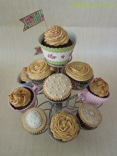 Kakkumonsteri: Äitienpäivän vintage kuppikakut