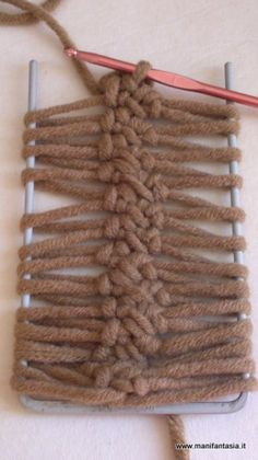 2014-12-04-7659 Lucet, Hairpin Lace, Loom Knitting, Clothes Hanger, Hair Pins, Hobby, Creative, Blog, Yarns