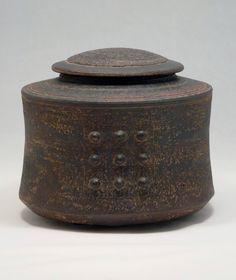Ceramic Boxes, Ceramic Jars, Ceramic Clay, Ceramic Pottery, Japanese Ceramics, Japanese Pottery, Pottery Handbuilding, Ceramic Texture, Tapas