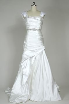 Simple Lace Trimmed Gown From Cicada
