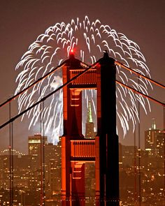 Gold Fireworks. Golden Gate Bridge, San Francisco | Golden Gate Fireworks #travel