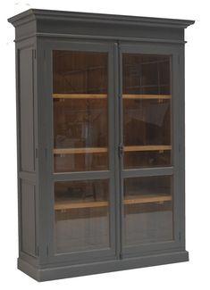 Life style buffetkast grijs geschuurd hout binnen 145 x 220cm espagnolet. Sfeervolle landelijke kast in grijs antiek geschuurde afwerking met houten binnenkant en espagnoletsluiting