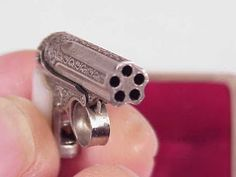 Rusty Knuckles - Motors and Music for True Grit Characters - Rock N' Roll, Country, Metal, Punk Rock: Miniature Guns