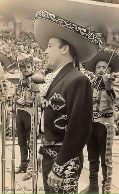 I really would love to base my pinch pot box after a Latino mariachi face and the top as the sombrero. I also might do a cowboy instead. Mexico Style, Mexico Art, Mexican Pictures, Mexican Heritage, Mexican Actress, Doja Cat, Latin Music, My Music, Classic Movies