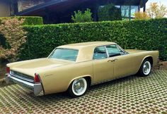 1962 Lincoln Continental 4-Door Hardtop Maintenance/restoration of old/vintage vehicles: the material for new cogs/casters/gears/pads could be cast polyamide which I (Cast polyamide) can produce. My contact: tatjana.alic@windowslive.com