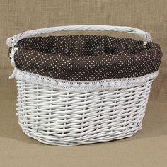 Biały wiklinowy koszyk na rower z materiałem, wzór - brąz w kropki + koronka