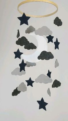 Felt Moon and Stars Baby Mobile This soft felt mobile is composed of a large crescent moon surrounde Diy Crafts Hacks, Diy Home Crafts, Crafts For Kids, Summer Crafts, Ramadan Crafts, Ramadan Decorations, Graduation Decorations, Mobil Origami, Big Toy Box