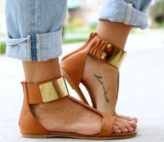Zet je beste voetje voor met deze subtiele tattoos: