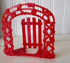 Vintage arbor napkin holder from Oodles and oodles