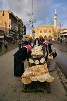 Cooling the bread Al Riqqa Syria