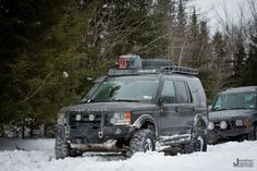 Landrover Discovery in Snow