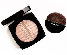 Chanel Plisse Lumiere de Chanel Illuminating Powder Review, Photos, Swatches
