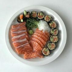 sashimi sushi salmon coffee milk tea korean food drink aesthetic yummy soft minimalistic cute kawaii g e o r g i a n a : m u n c h & s l u r p Cute Food, Good Food, Yummy Food, Asian Recipes, Healthy Recipes, Quick Recipes, Aesthetic Food, Korean Aesthetic, Korean Food
