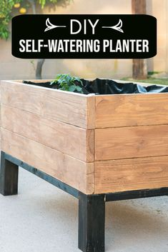 How to build a DIY self-watering raised garden bed. This is a great DIY garden planter. #anikasdiylife