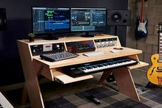 Home Recording Studio Setup, Home Studio Setup, Music Studio Room, Audio Studio, Recording Studio Furniture, Studio Ideas, Music Desk, Home Music Rooms, Audio Room