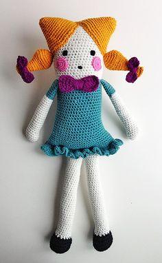 hæklet dukke med firkantet hoved