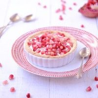 Pomegranate Tartelettes with goat cheese cream