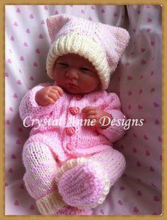 Ravelry: Reborn Baby/ Premature Baby Pram set pattern by Crystal-Anne Smith Barbie Knitting Patterns, Knitted Doll Patterns, Knitting Dolls Clothes, Baby Doll Clothes, Baby Hats Knitting, Baby Patterns, Baby Dolls, Clothes Patterns, Knit Baby Dress