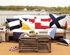Looking for a lobster crate just like this to use as a coffee table at the summer house. Anyone?