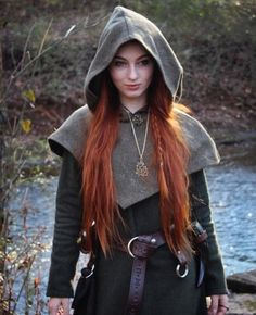 This piece of garb is made of wool. Perfect for Norse and SCA Reenactment Skjoldehamn Archer Hood. This piece of garb is made of wool. Perfect for Norse and SCA Reenactment Costume Roi, Elf Costume, Renaissance Costume, Renaissance Fair, Larp, Archer Costume, Vikings, L Elf, Viking Clothing