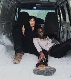Norman Reedus and Danai Gurira behind the scenes of The Walking Dead Season 6 Episode 16 Walking Dead Season 6, Fear The Walking Dead, Melissa Mcbride, Hollywood, Dead Inside, Stuff And Thangs, Daryl Dixon, Norman Reedus, Behind The Scenes