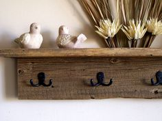 Hung Coat Rack estante de la pared / estante por TheBarnYardShop