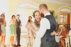 Small weddings are awesome. http://www.womangettingmarried.com/10-fun-ideas-small-wedding/