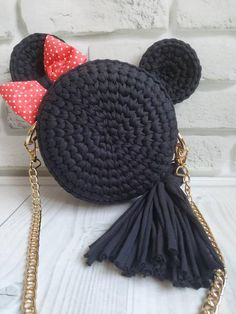 Round knitted bag Minnie mouse, so cool and original, for little princess and theres Moms Crochet Crafts, Crochet Yarn, Knitting Yarn, Crochet Projects, Diy Crafts, Bag Patterns To Sew, Crochet Patterns, Tote Pattern, Sewing Patterns
