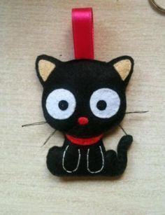 felt kitty - could do this for Christmas as well and add a Santa hat Cat Crafts, Sewing Crafts, Sewing Projects, Felt Christmas, Christmas Crafts, Felt Decorations, Felt Cat, Felt Patterns, Felt Toys