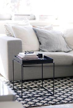 Image via We Heart It https://weheartit.com/entry/59184640/via/7383293 #decor #interior #livingroom #white