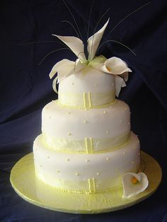 Wedding Cakes With Lilies