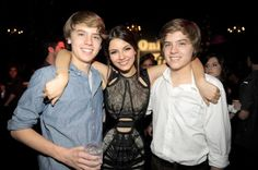 Cole Sprouse, Victoria Justice and Dylan Sprouse Disney Channel Stars, Disney Stars, Victoria Justice, Dylan Sprouse Girlfriend, Dylan Y Cole, Suit Life On Deck, Sprouse Bros, Cole Sprouse Funny, Cole Sprouse Wallpaper